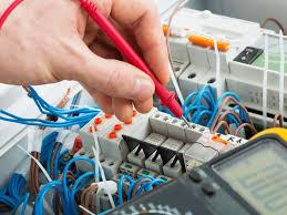 Di cosa si occupa l'elettricista?